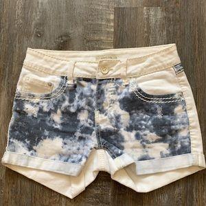 🌻3/20 Urban life cute white jean shorts